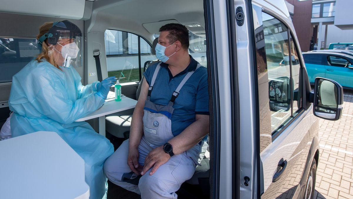 Impfungen in Betrieben - Ministerium weist Kritik zurück