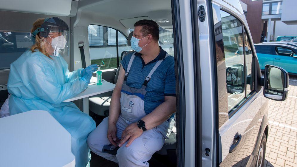 Impfungen in Betrieben - Ministerium weist Kritik zurück   | Bild:picture alliance/dpa/dpa-Zentralbild | Hendrik Schmidt