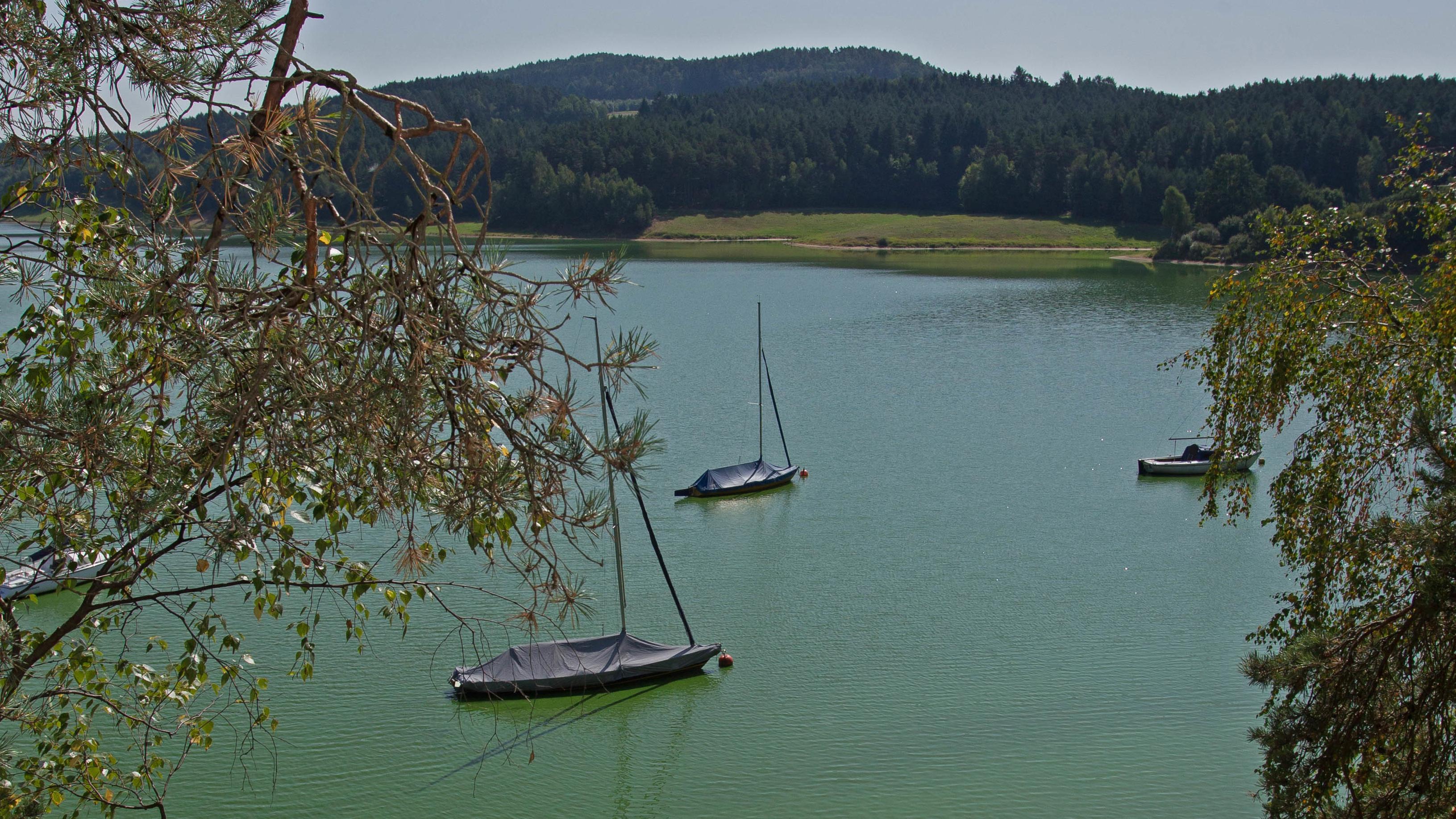 Der Eixendorfer See liegt im Osten des Oberpfälzer Seenlandes und verbindet die Landkreise Schwandorf und Cham.