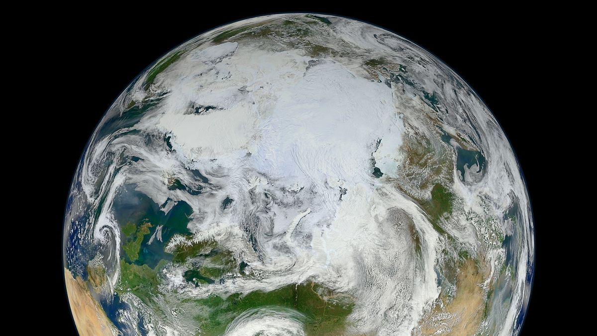 Der Ausschnitt zeigt die nördliche Hemisphäre der Erde, auf der sich der geographische Nordpol befindet.