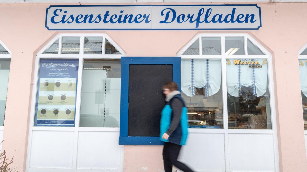 Nach dem Ende des genossenschaftlichen Dorfladens gibt es seit 2019 wieder ein Lebensmittelgeschäft in Bayerisch Eisenstein im Kreis Regen.