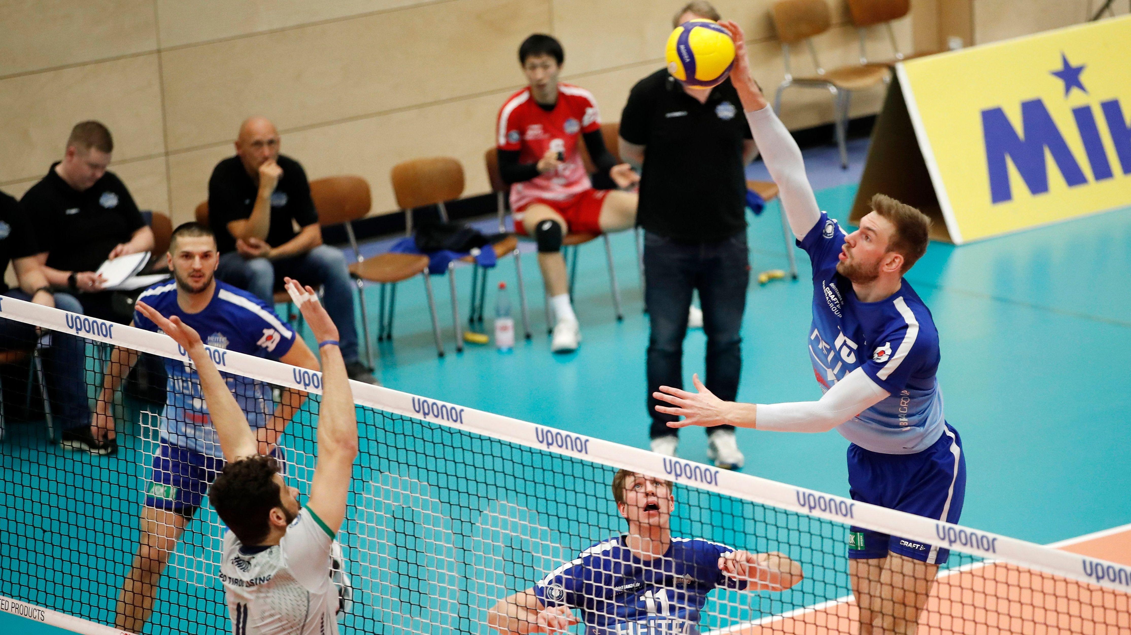 Volleyball-Spielszene Eltmann - Unterhaching