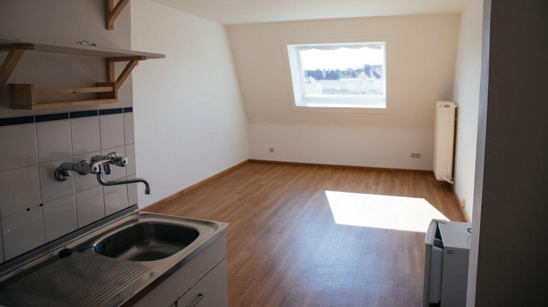 Eine leere Einzimmerwohnung.