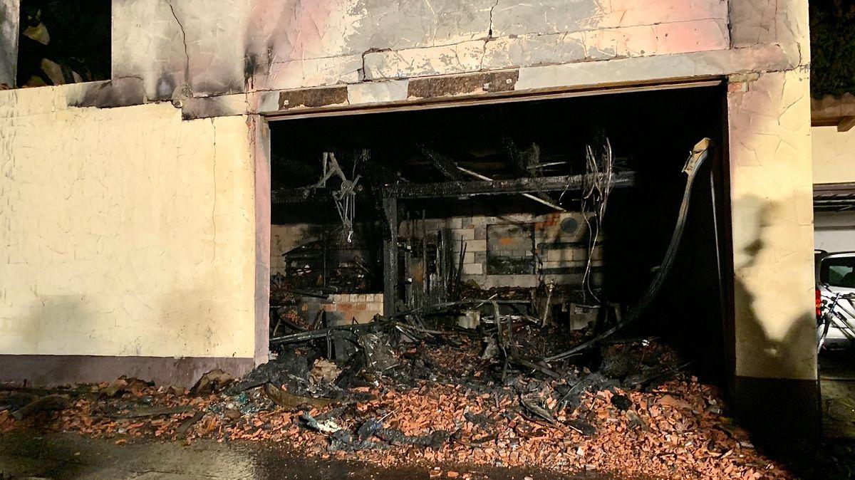 Garage in Kronungen (Lkr. Schweinfurt) völlig ausgebrannt