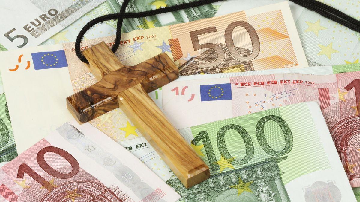 Bis 2023 muss die evangelische Kirche in Bayern ein finanzielles Defizit von 130 Millionen Euro ausgeglichen werden.