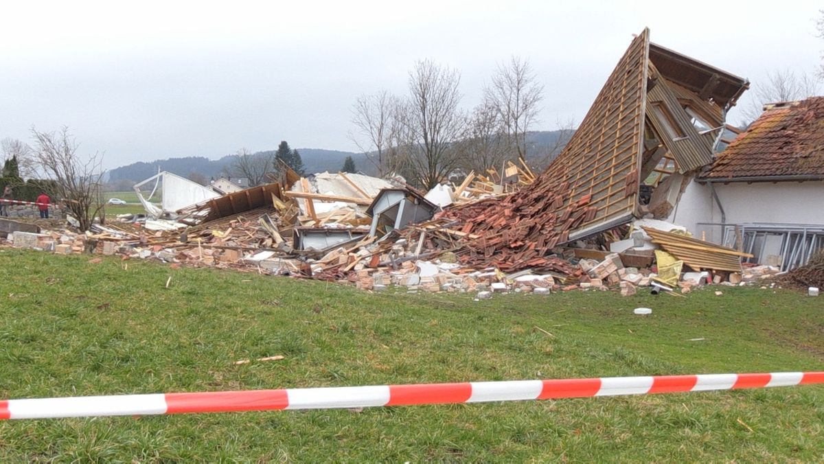 Das Vereinsheim des TSV Oberbeuren wurde bei einer Explosion zerstört.
