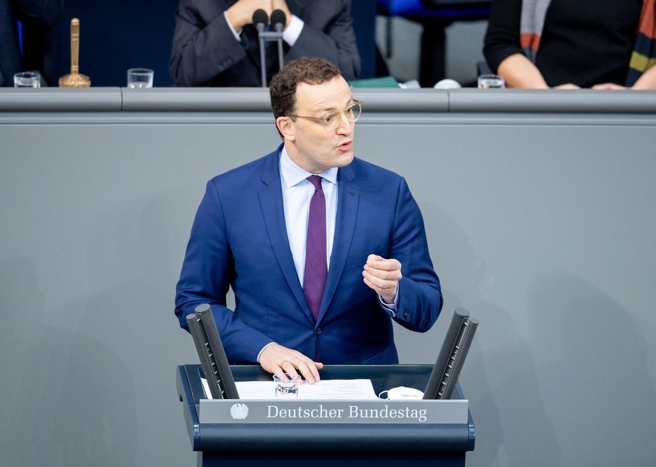13.01.2021, Berlin: Jens Spahn (CDU), Bundesminister für Gesundheit, gibt eine Regierungserklärung zu Corona-Impfungen im Bundestag ab. Foto: David Hutzler/dpa +++ dpa-Bildfunk +++