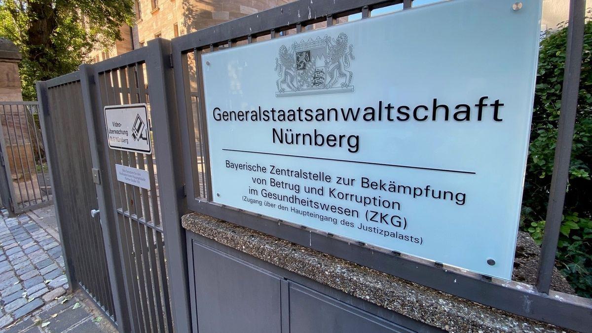 """Schild """"Zentralstelle zur Bekämpfung von Betrug und Korruption im Gesundheitswesen"""""""