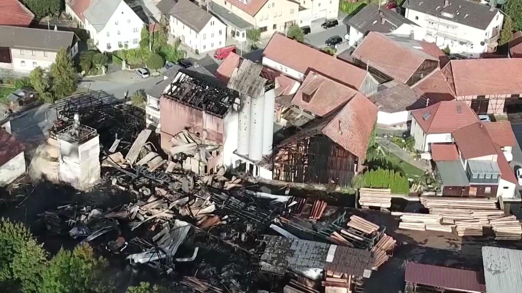 Brand in einem Sägewerk im Kronacher Stadtteil Höfles