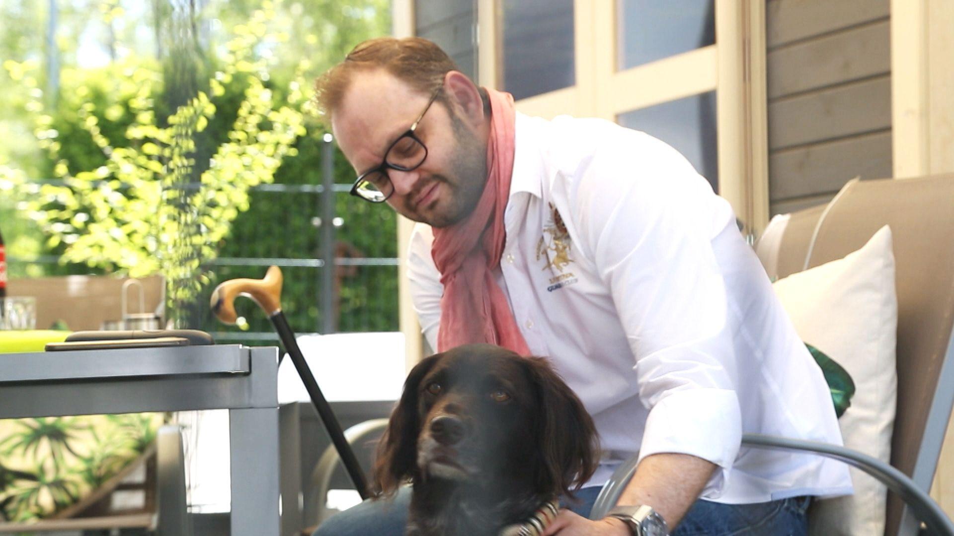 Bernhard Unrecht mit seinem Hund.
