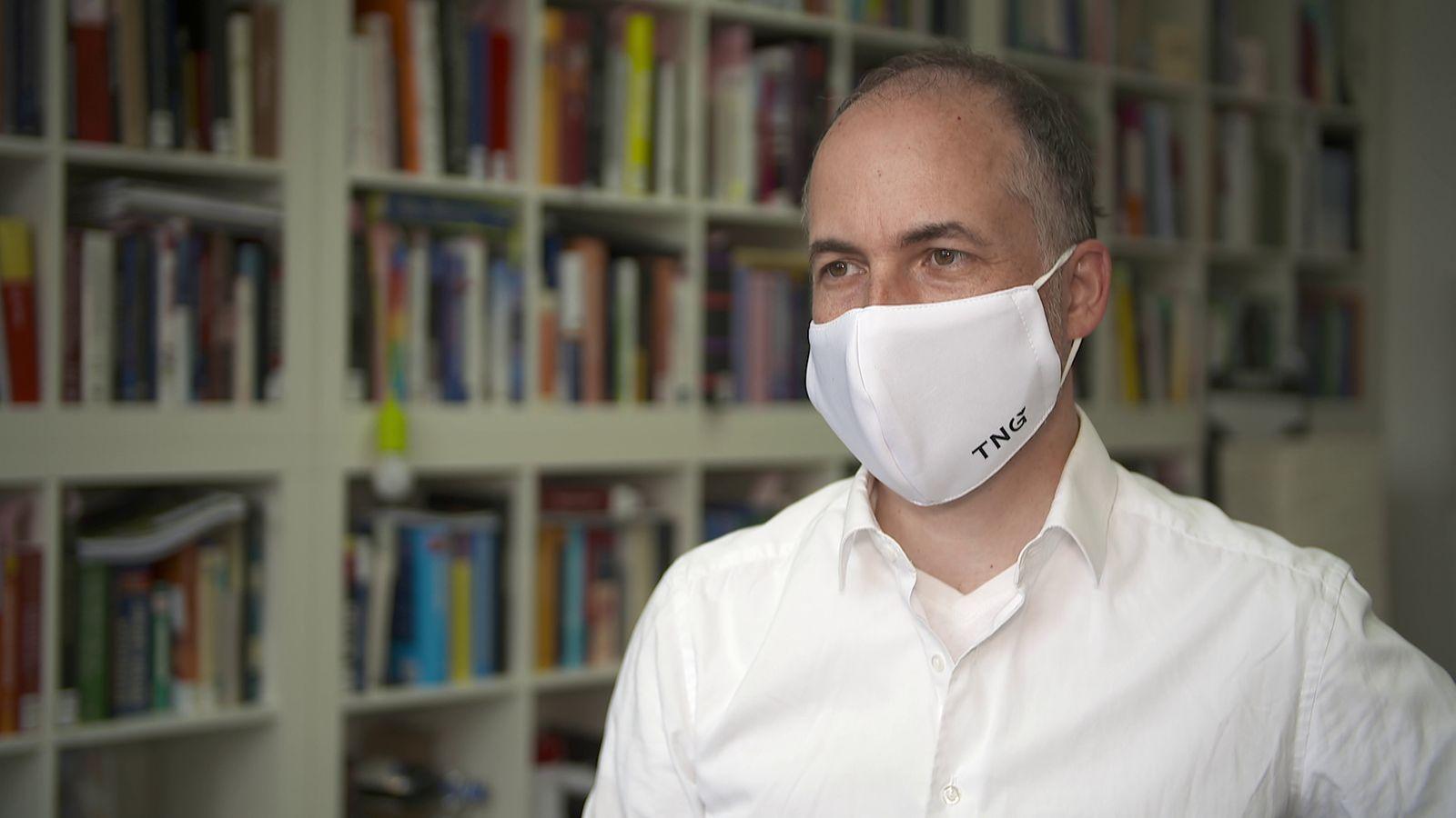 Psychologe erklärt: Darum ist Maske-Tragen so wichtig