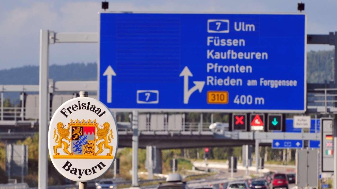 Die Autobahn A7 im Allgäu.