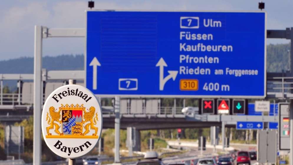 Die Autobahn A7 im Allgäu.   Bild:dpa / Stefan Puchner