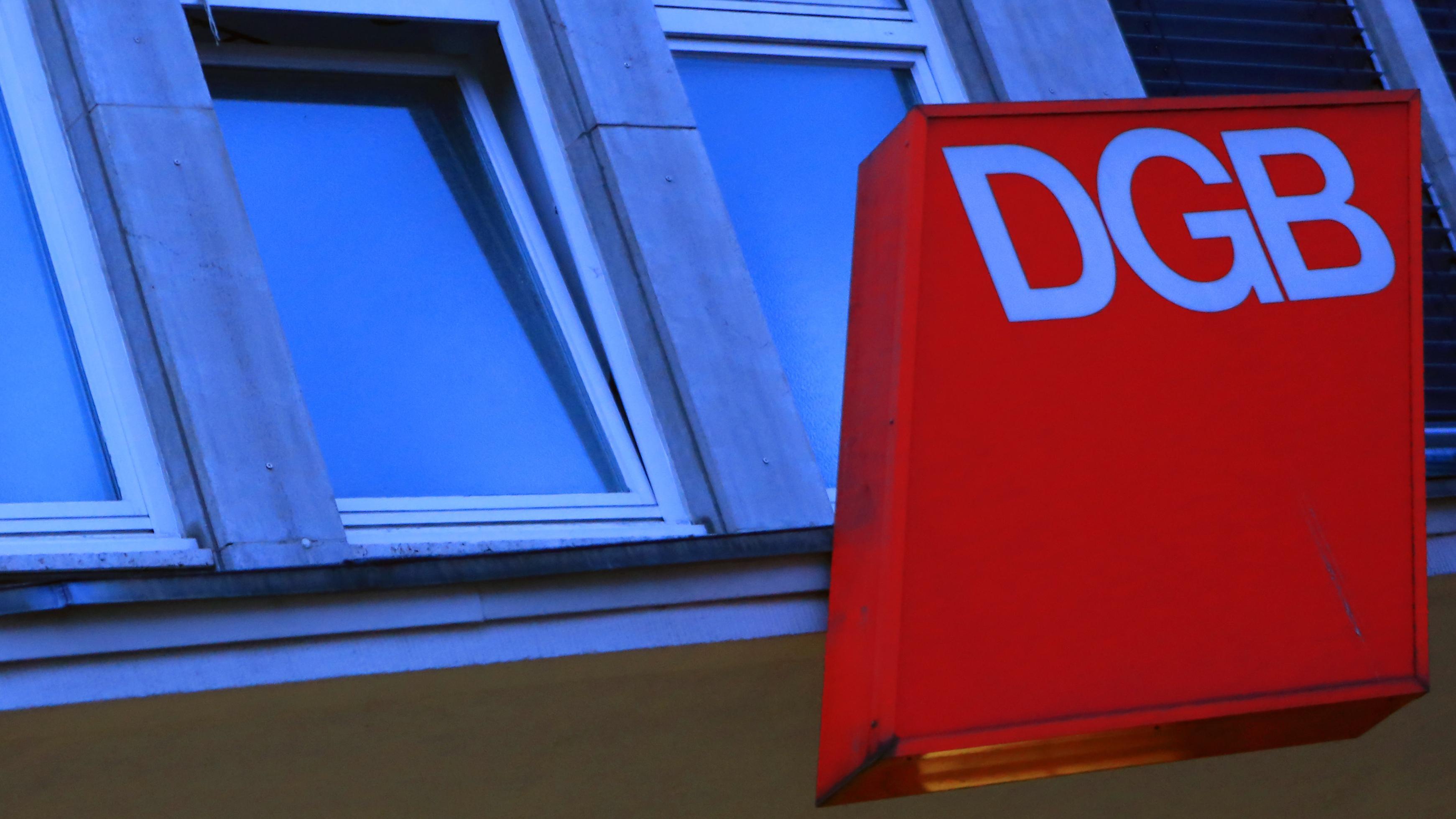 DGB-Schild an einem Haus