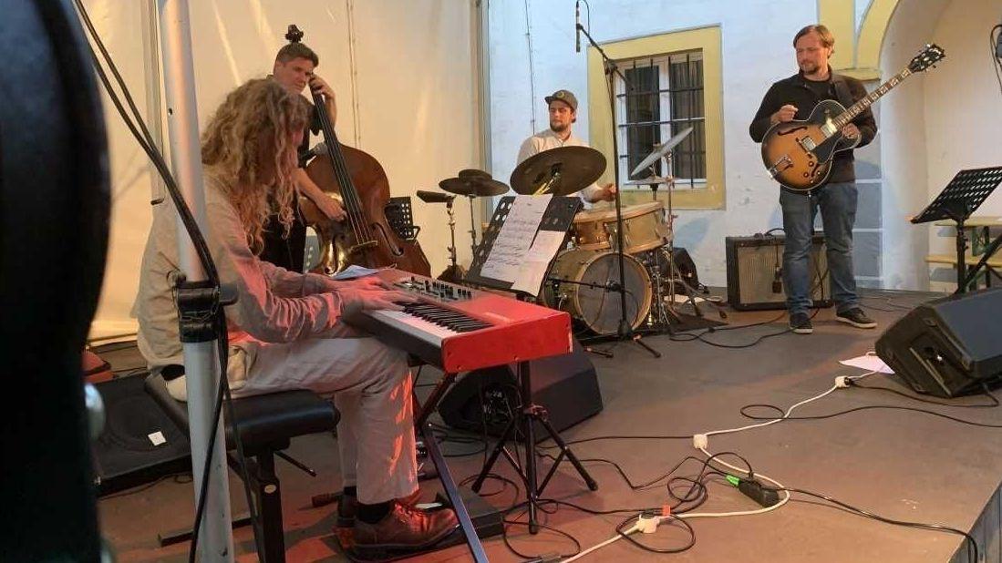 Musiker auf der Bühne des Jazzfest