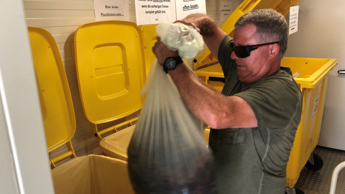 In den Müllcontainern können die Jäger alle Überreste fachgerecht entsorgen.