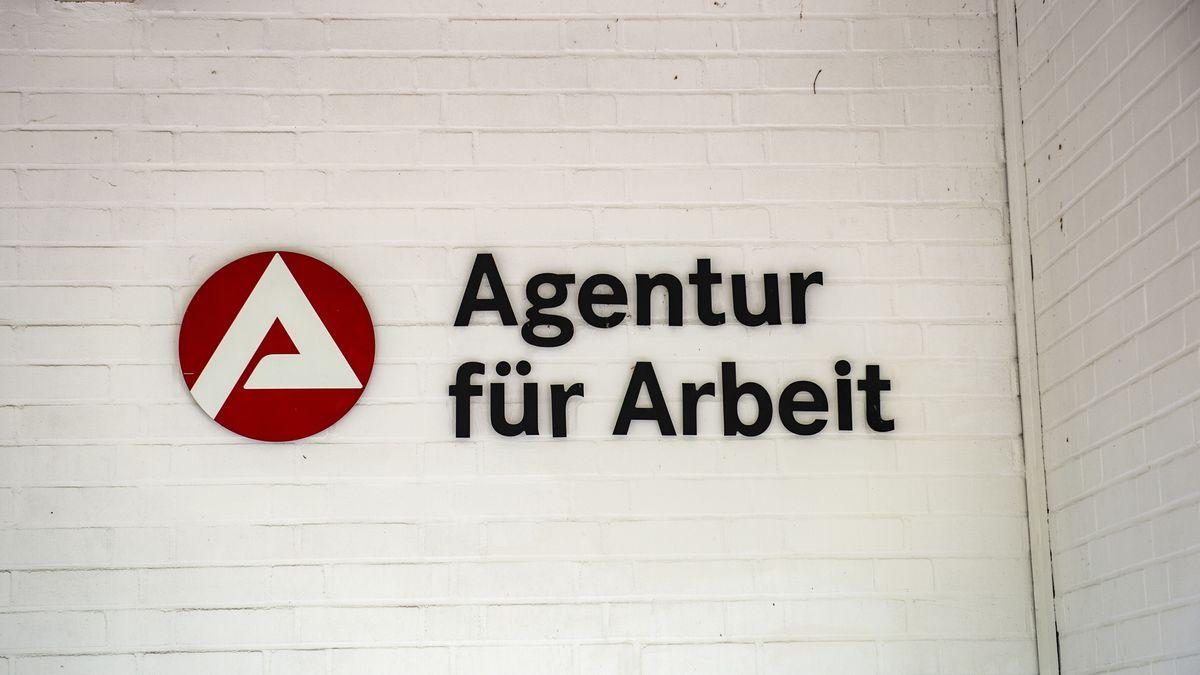 Schild Agentur für Arbeit