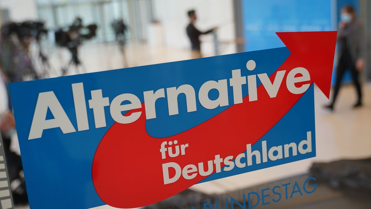 Logo der AfD im Bundestagsgebäude in Berlin.