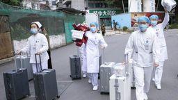Zur Behandlung der Lungenkranken in Zentralchina sind fast 6000 Ärzte und Pfleger aus ganz China in die betroffene Provinz Hubei entsandt worden.   Bild:BR