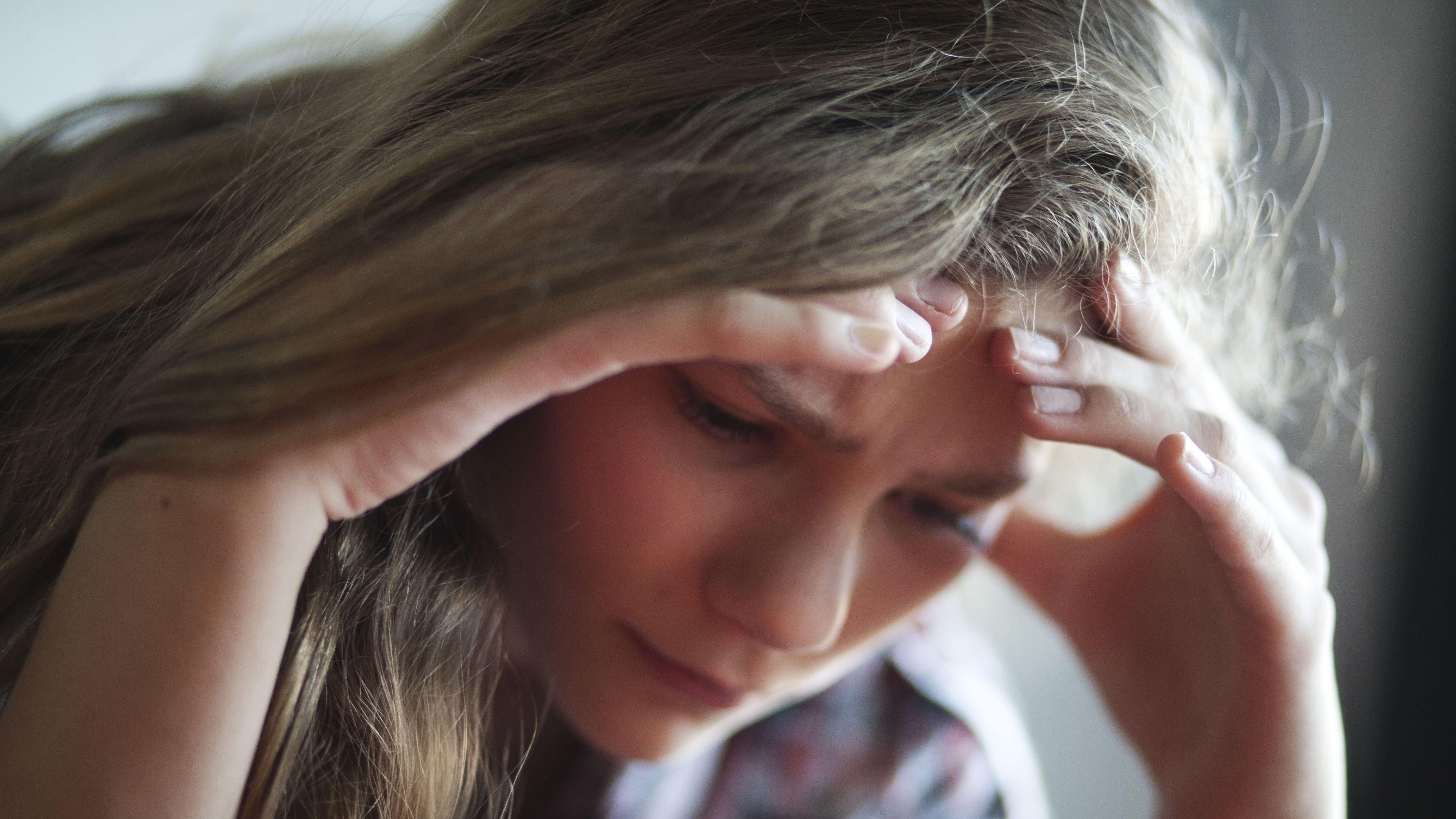 Je älter Kinder werden, desto häufiger haben sie Kopfschmerzen.