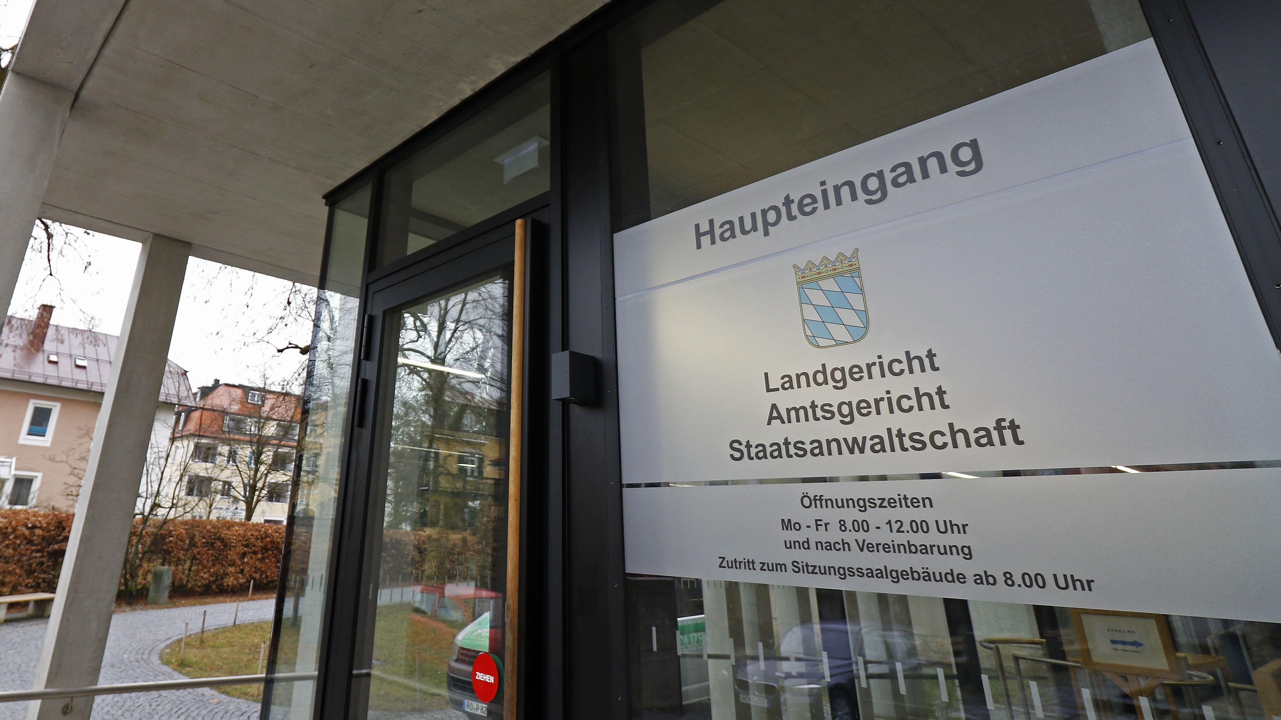 Eingangsbereich Landgericht Traunstein