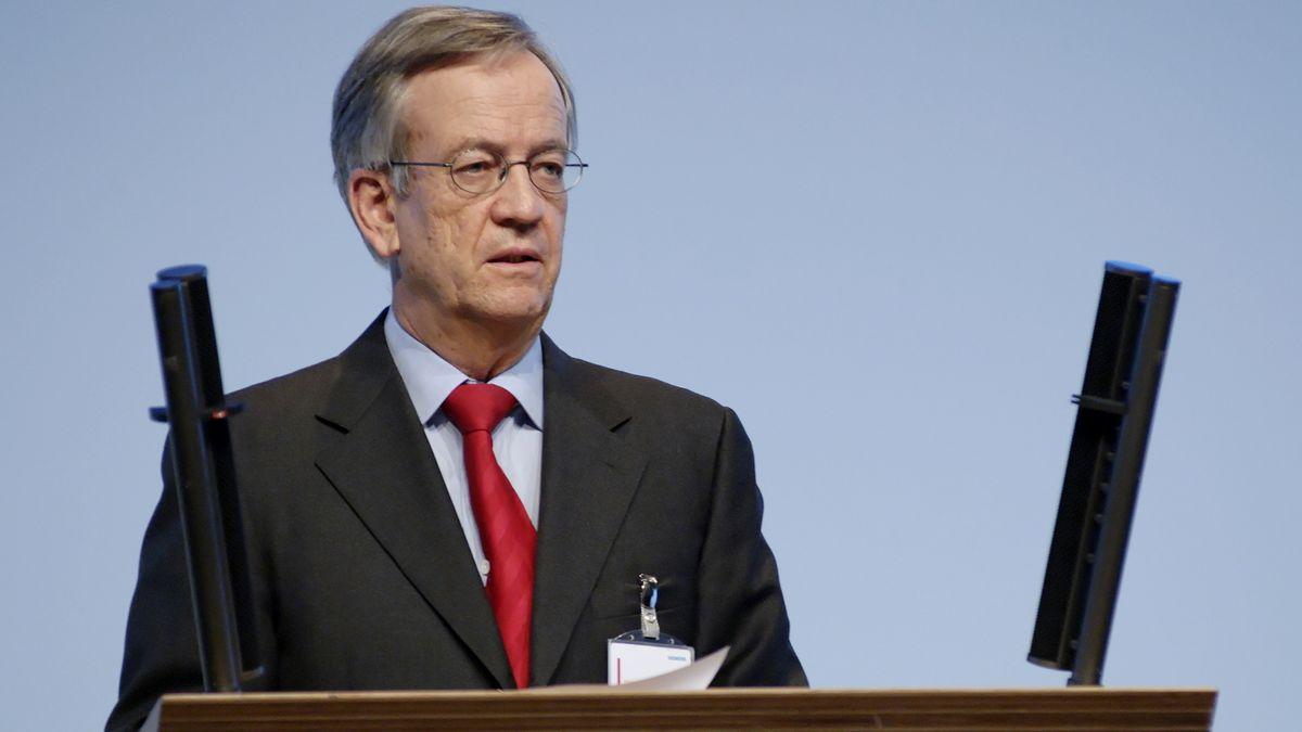 Archivbild: Heinrich von Pierer, spricht am Donnerstag (25.01.2007) bei der Hauptversammlung des Unternehmens in München zu den Aktionären.