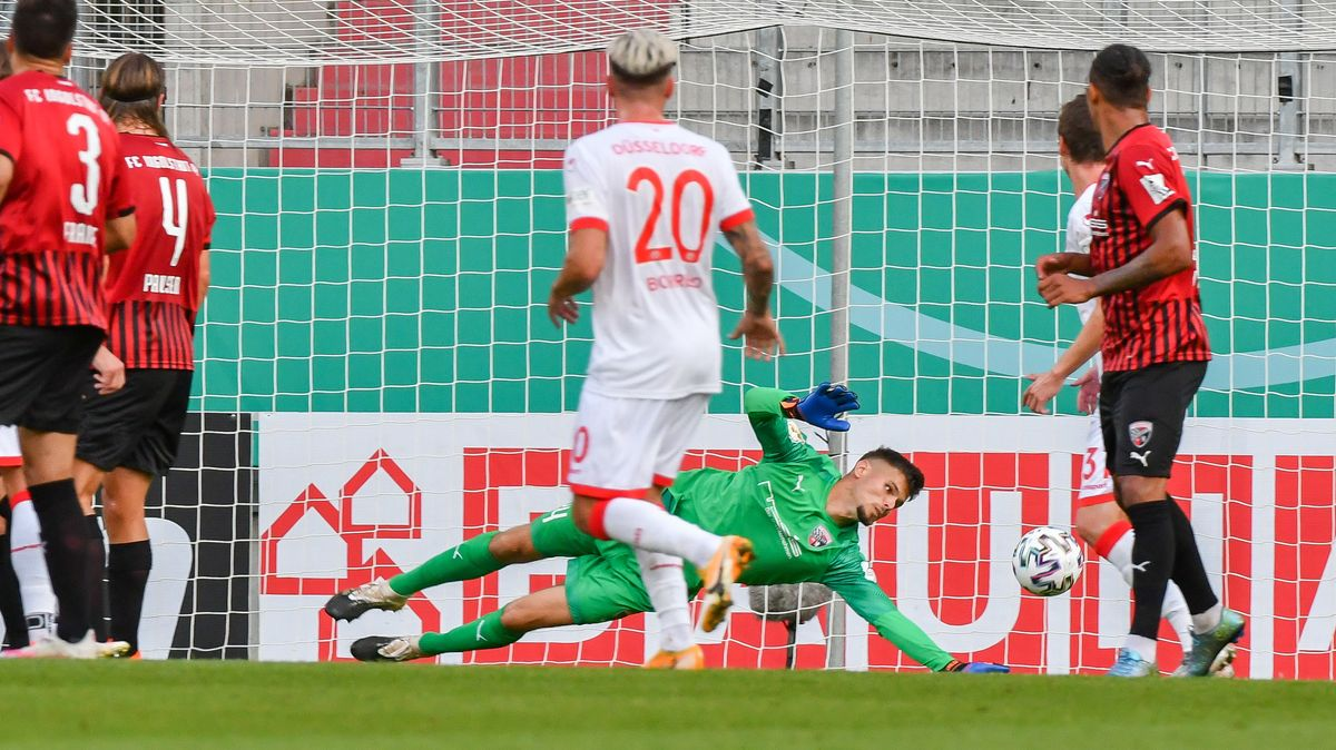 Spielszene FC Ingolstadt - Fortuna Düsseldorf