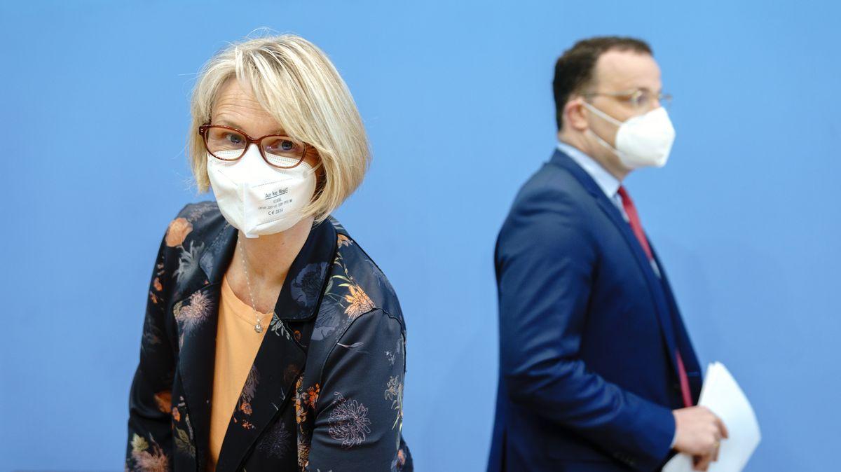 Bundesforschungsministerin Anja Karliczek (CDU) und Bundesgesundheitsminister Jens Spahn (CDU)