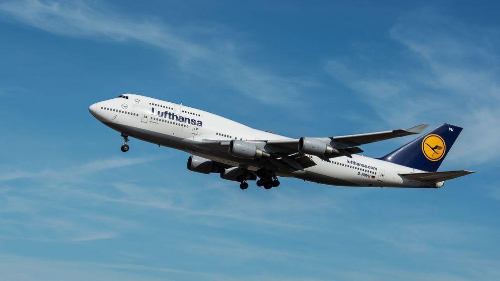 Eine Boeing 747 der Fluggesellschaft Lufthansa im Landeanflug auf den Flughafen Frankfurt. | Bild:dpa-Bildfunk/Silas Stein