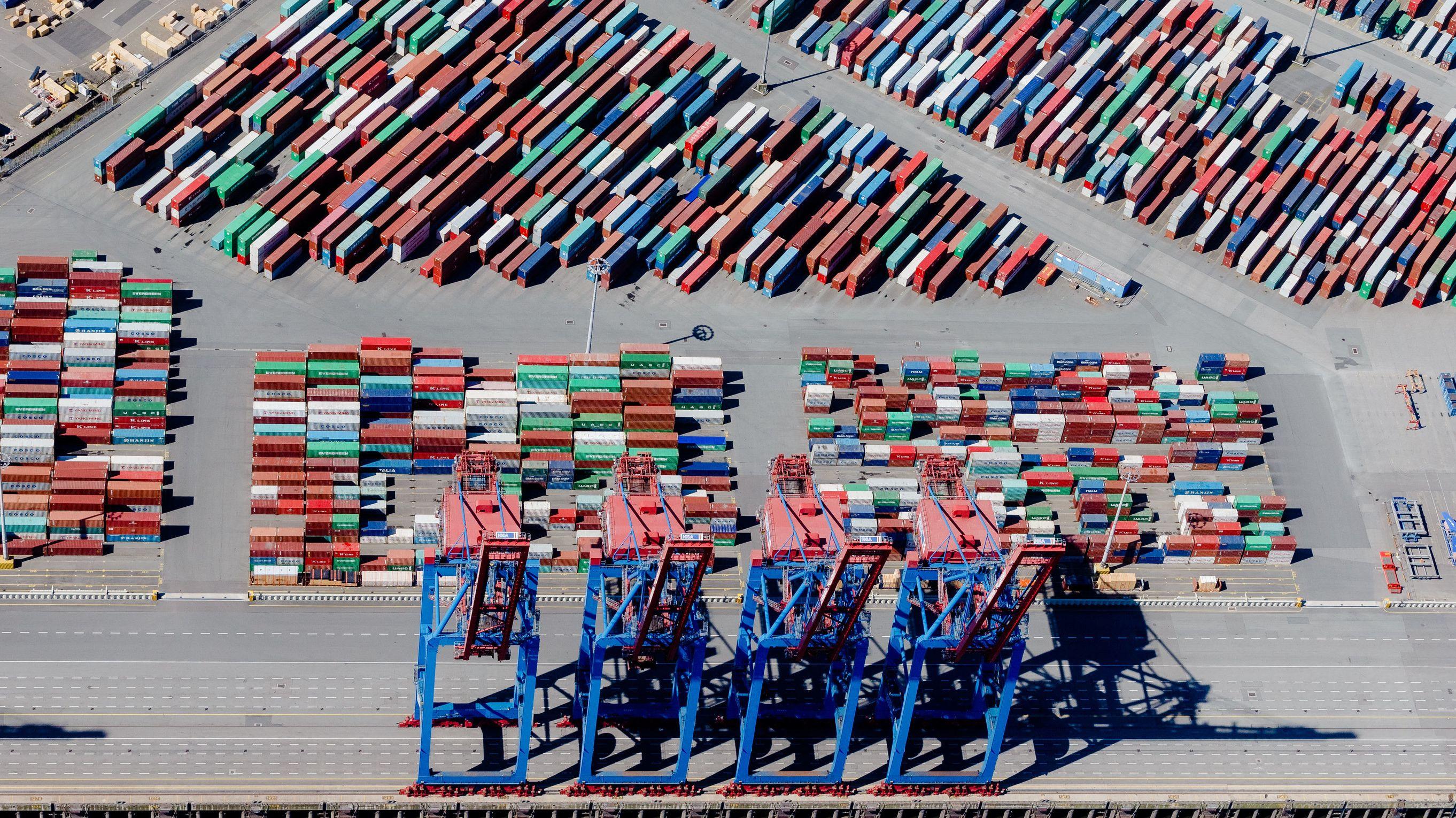 Blick auf Containerterminal