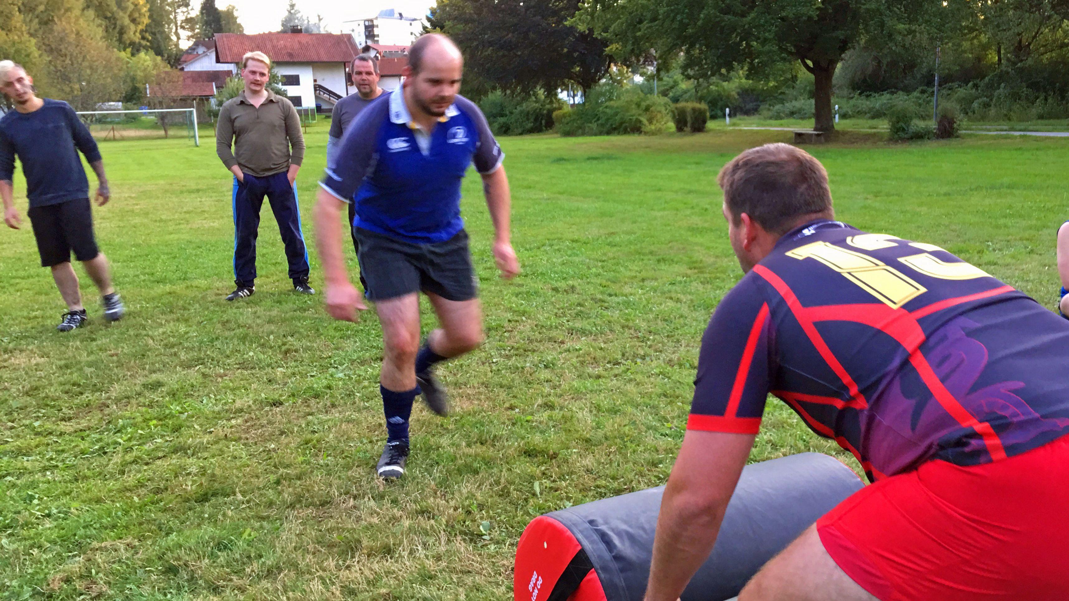 Zehn Männer aus Zwiesel sind jetzt Rugbyspieler und Mitglieder im neuen Rugby-Verein