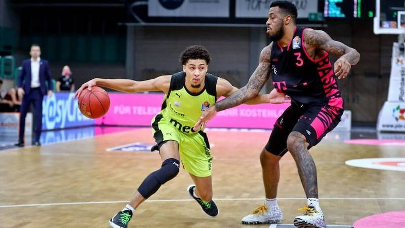 Ryan Woolridge (Medi Bayreuth) vs James Thompson IV (Telekom Baskets)