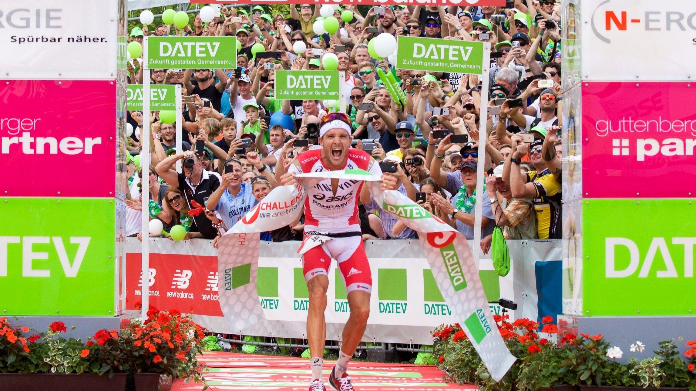 Jan Frodeno nach dem Sieg beim DATEV Challenge Roth 2016