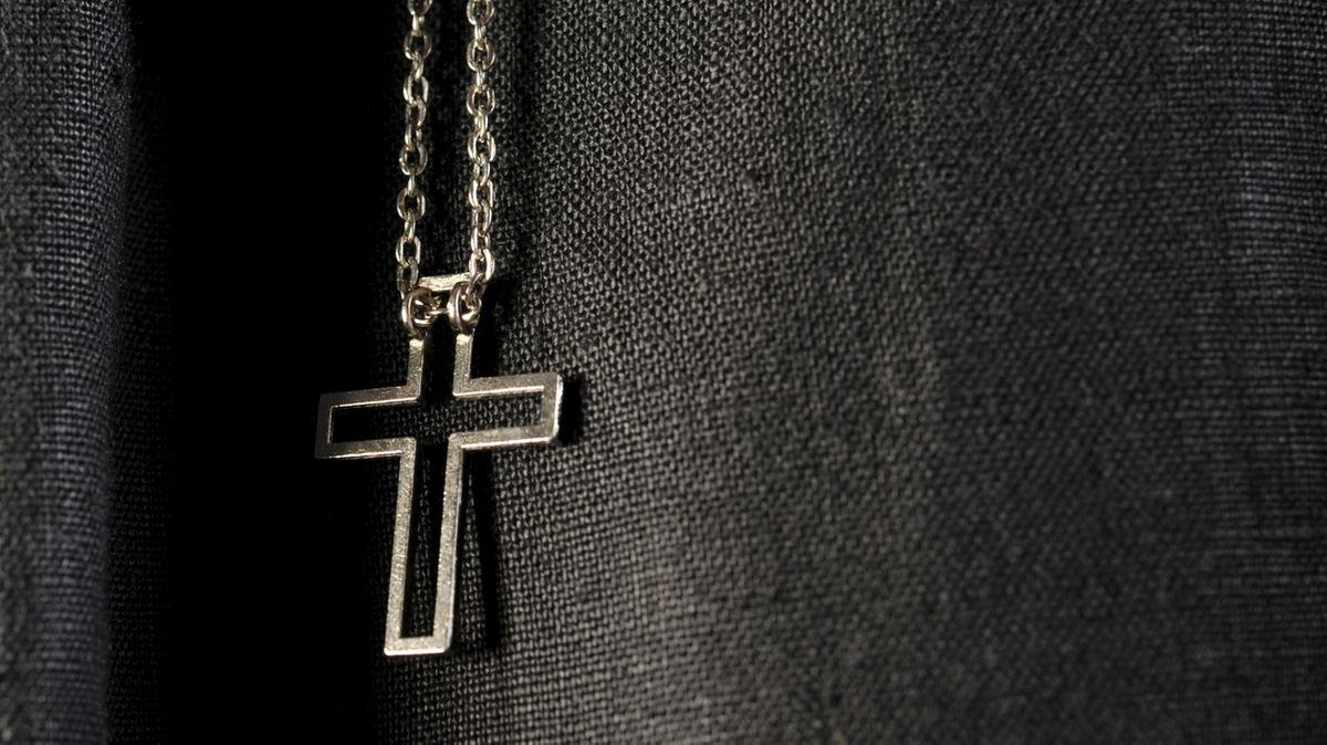 Schwerer sexueller Kindesmissbrauch – Priester vor Gericht