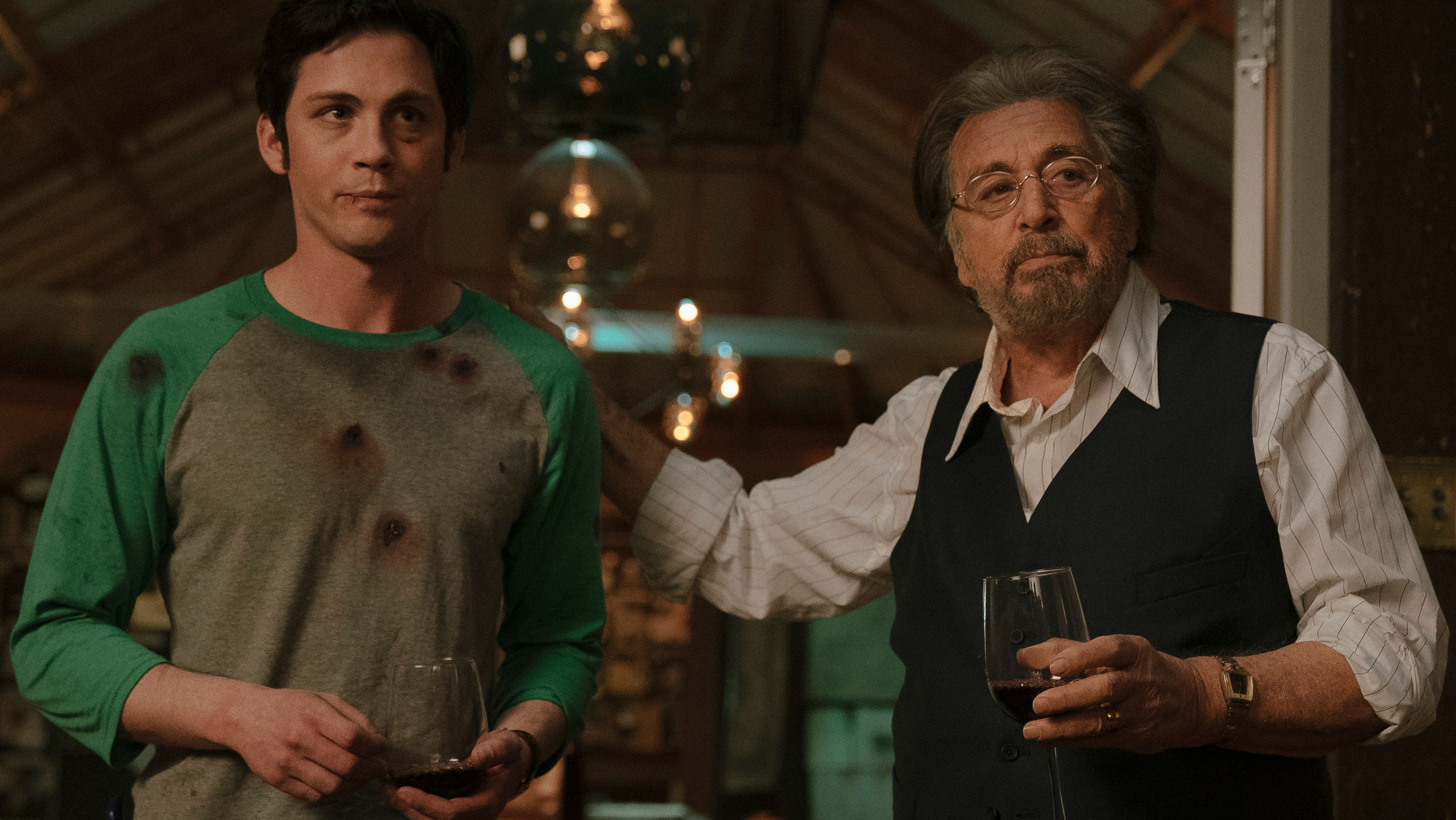 "Logan Lerman und Al Pacino in der Serie ""Hunters"" von Amazon Prime Video"