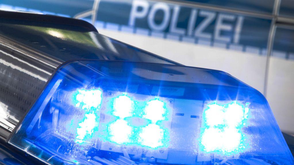 Blaulicht eines Polizeiautos (Symbolbild)
