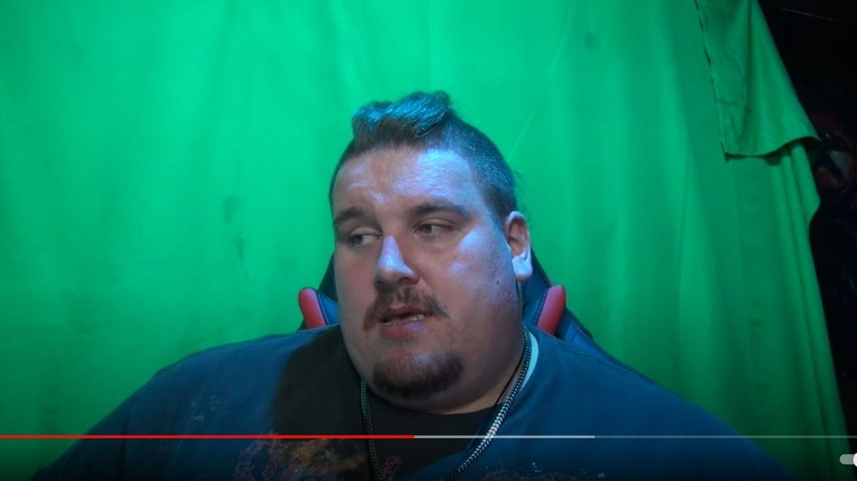 Der Drachenlord nimmt in seinem Youtube-Kanal Stellung