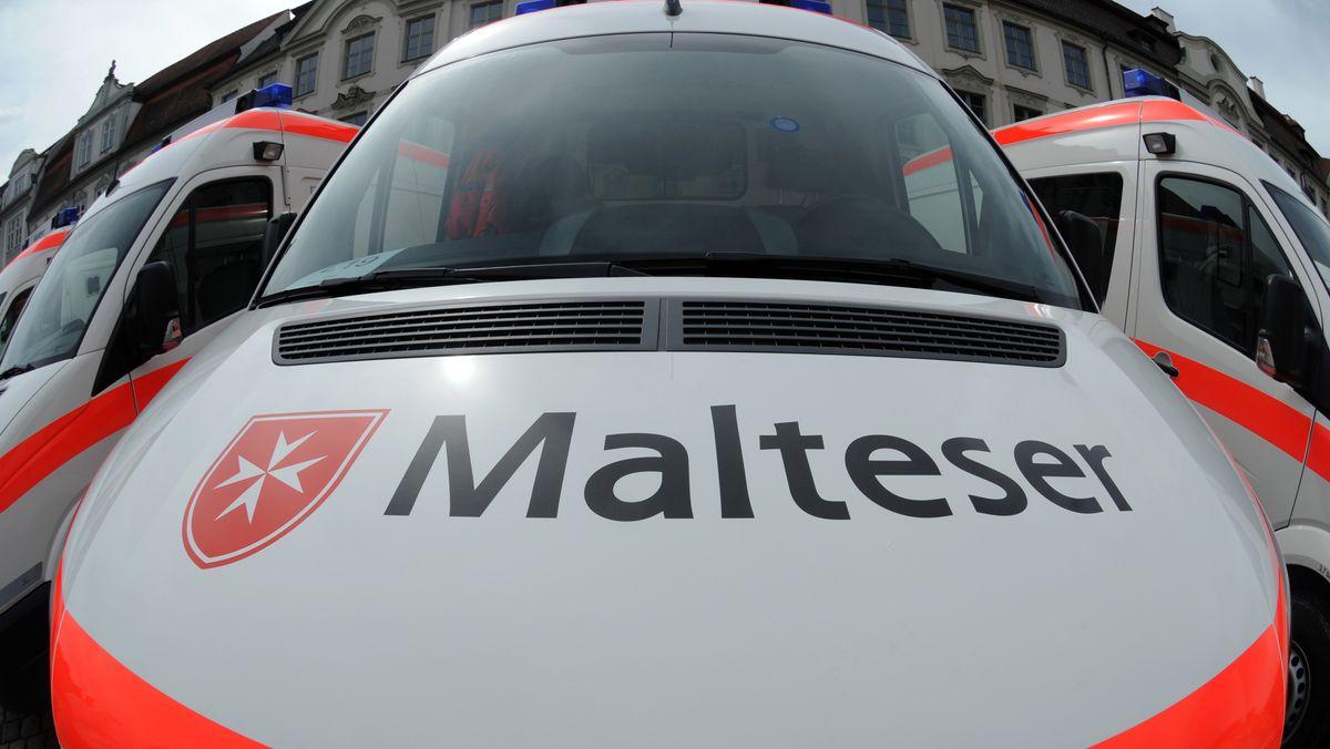 Mehrere Fahrzeuge des Malteser Hilfsdiensts in Passau beschädigt (Symbolbild)