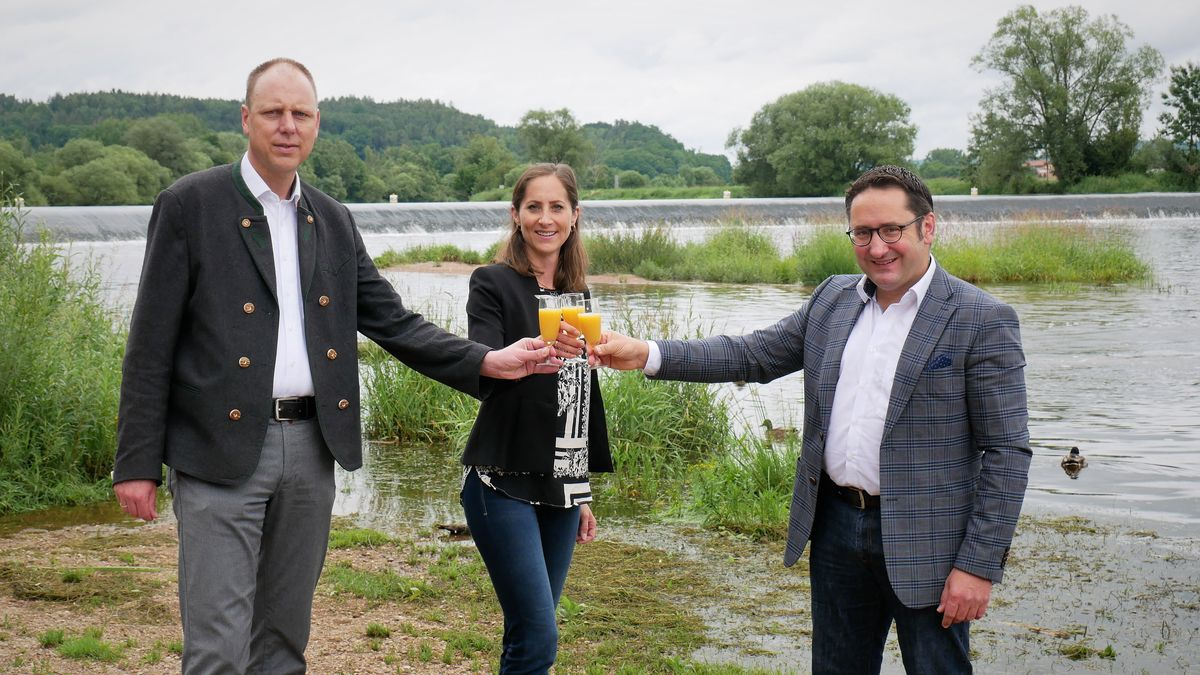 Freuen sich: (von links): Lappersdorfs Bürgermeister Christian Hauner, Zeitlarns Bürgermeisterin Andrea Dobsch und Tobias Gotthardt MdL
