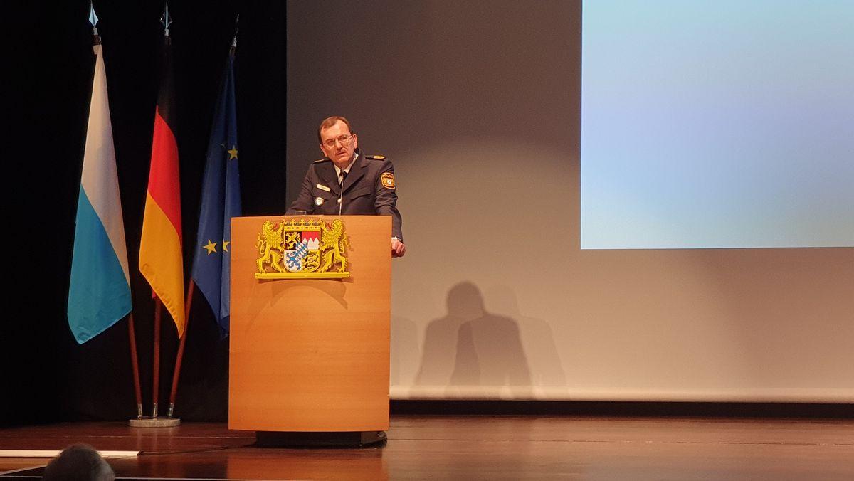 Offizielle Verabschiedung des unterfränkischen Polizeipräsidenten Gerhard Kallert.