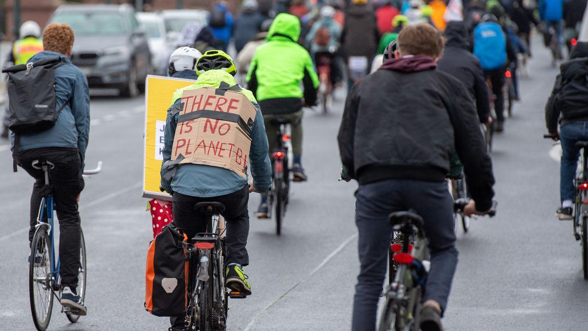 Fahrraddemo von Fridays for Future (Symbolbild)