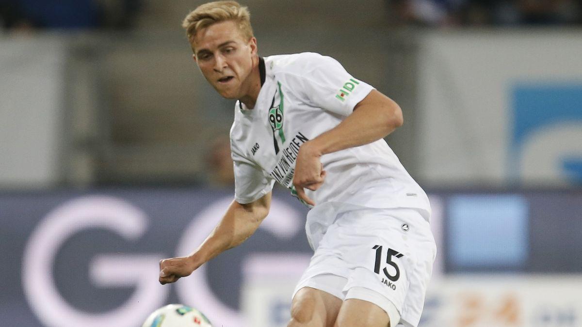 Timo Hübers von Hannover 96