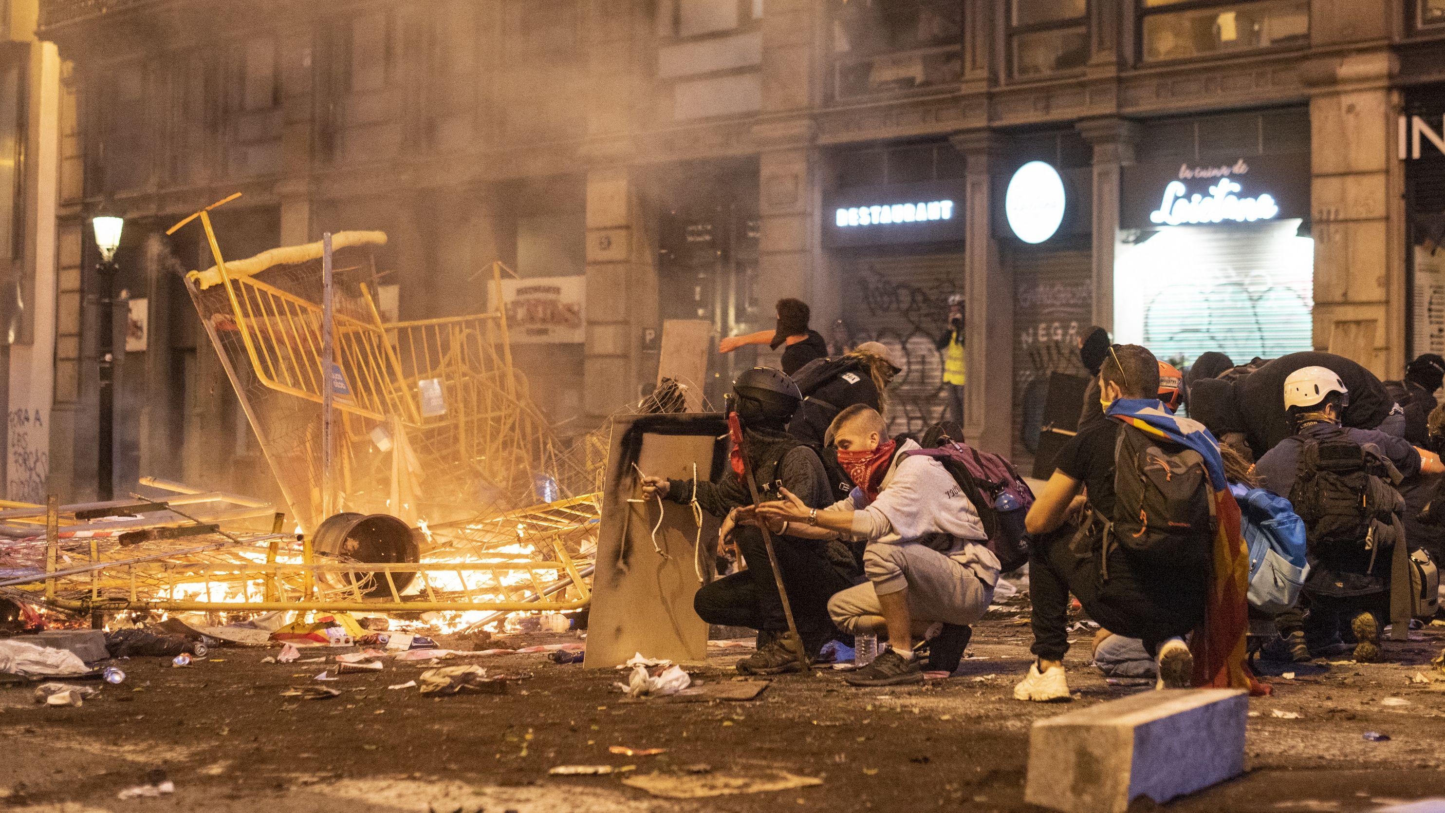 Protest gegen Separatisten-Urteile: Kataloniens Zorn