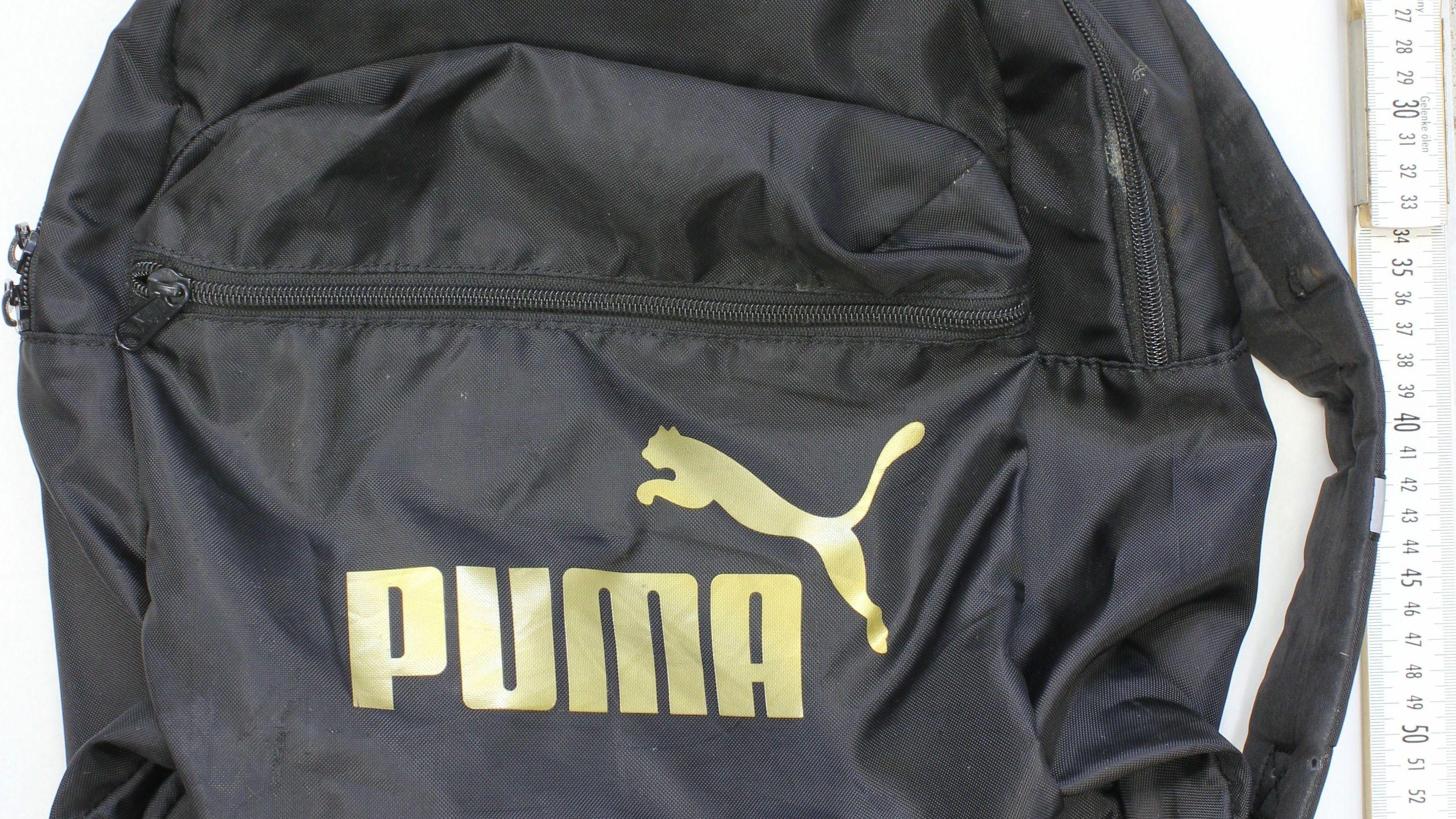 """Weiter wurde ein schwarzer Rucksack der Marke """"Puma"""" gefunden."""