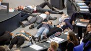 Protestaktion im Bundestag | Bild:dpa-Bildfunk