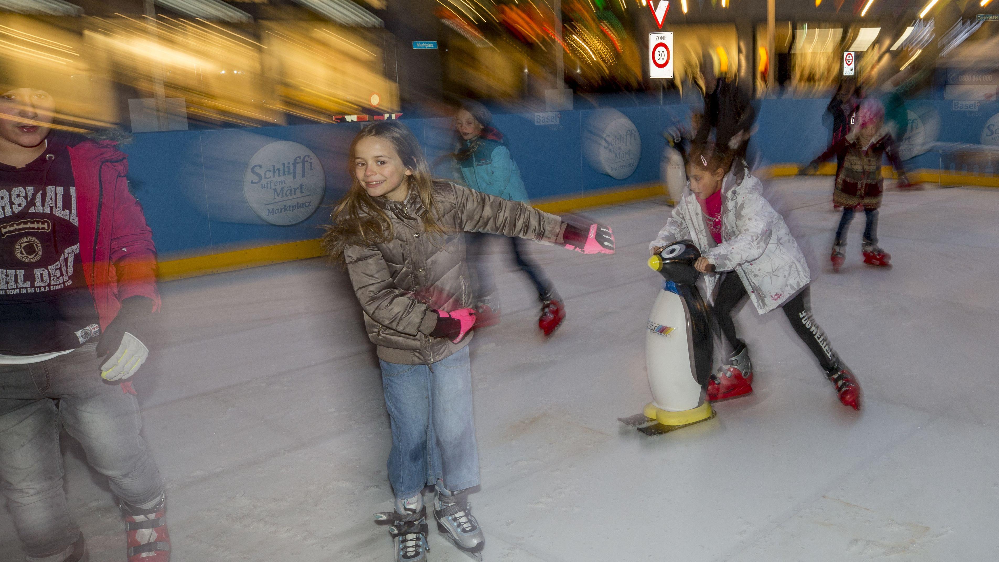 Eislaufen am Christkindlmarkt