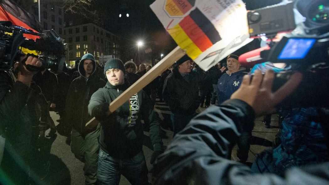 Vor allem auf Demonstrationen kommt es immer häufiger zu Gewalt gegen Journalisten.