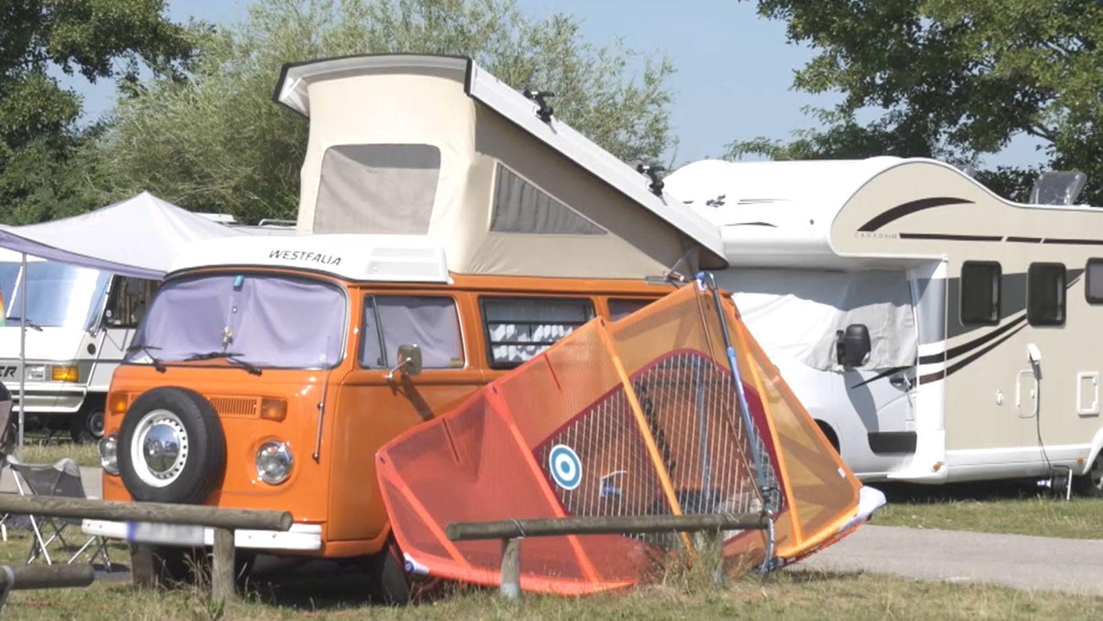 Wegen der Corona-Pandemie verreisen viele Menschen innerhalb Deutschlands.  Besonders beliebt sind Wohnmobile und Camper. Im Fränkischen Seenland wird  es deshalb in diesem Sommer auf den Campingplätzen