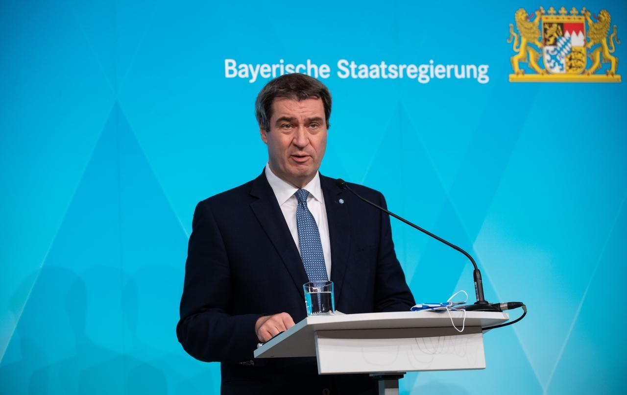 Archivbild: Markus Söder (CSU), Ministerpräsident von Bayern, nimmt nach einer Sitzung des bayerischen Kabinetts an einer Pressekonferenz teil. Schwerpunkt der Sitzung war die Corona-Krise