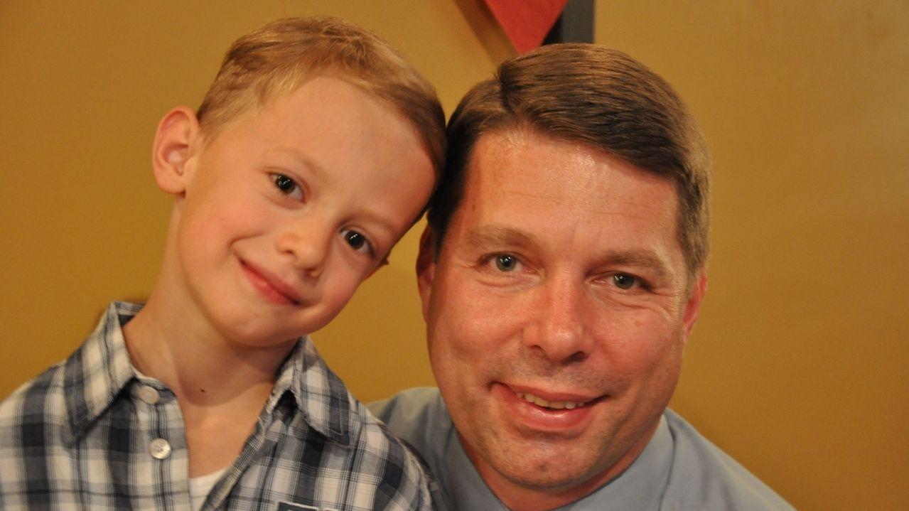 Der siebenjährige Jonas Hess aus Waal im Ostallgäu hat mihilfe seines Vaters einem Rentner das Leben gerettet